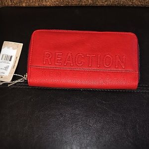 Kenneth Cole Reaction Zip Wallet/ Red Leather